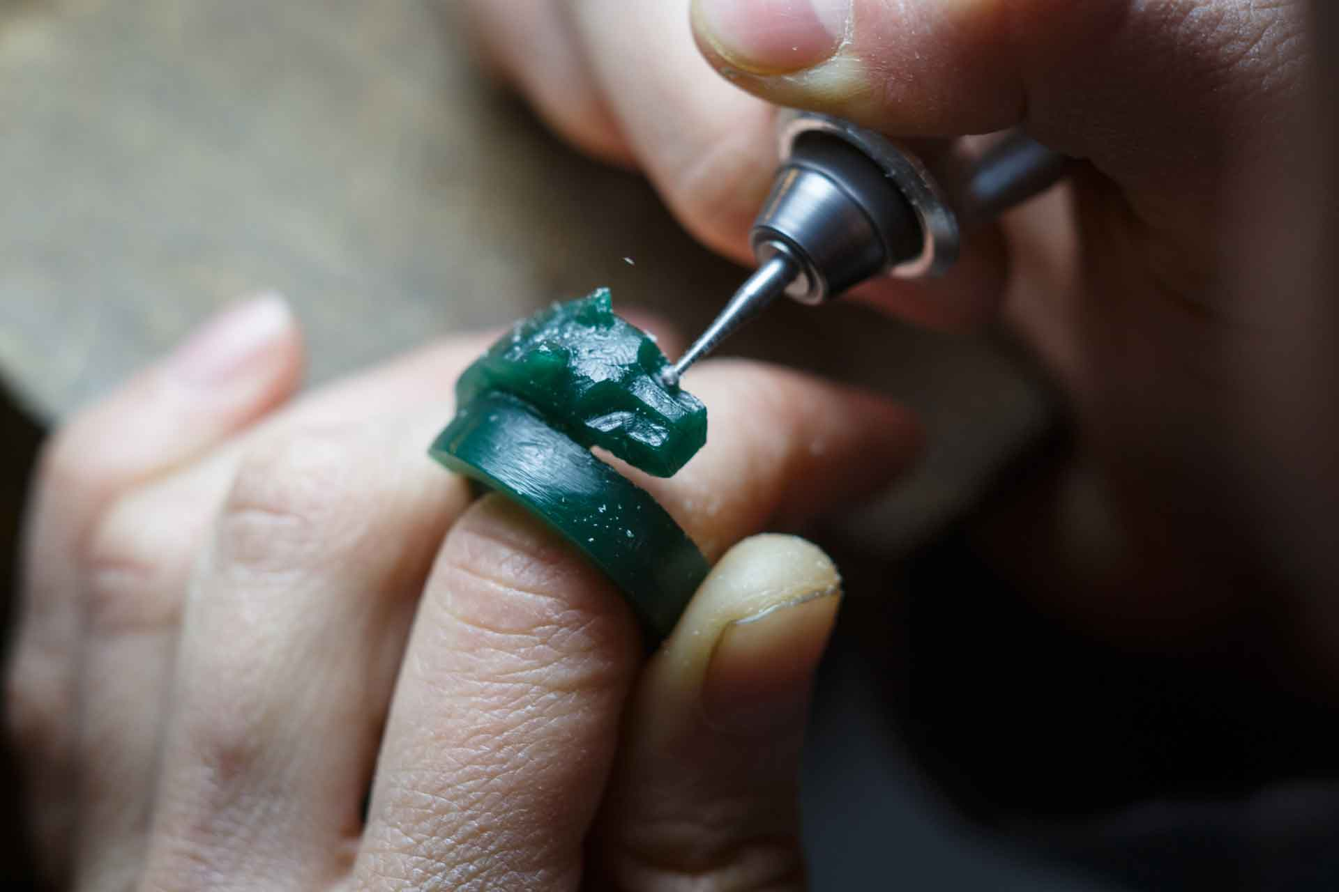 Micro Sculpturing in Wax for Goldsmiths