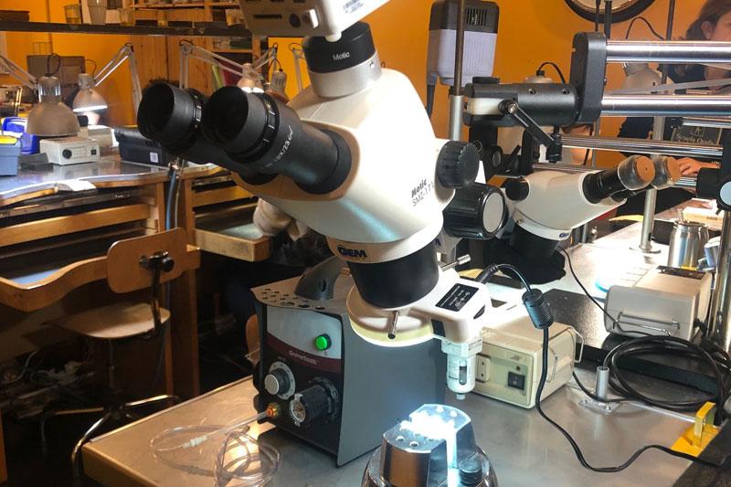 Corso Incastonatura a Microscopio
